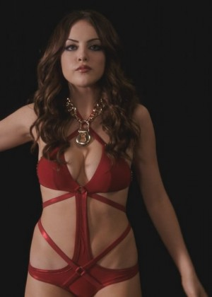 Elizabeth Gillies: Hot Sex and drugs and Rock and Roll video caps-13
