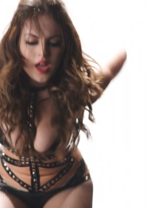 Elizabeth Gillies: Hot Sex and drugs and Rock and Roll video caps-14