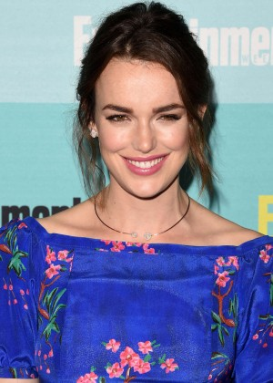 Elizabeth Henstridge - Entertainment Weekly Party at Comic-Con in San Diego