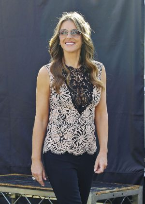 Elizabeth Hurley on 'Extra' set in Universal City