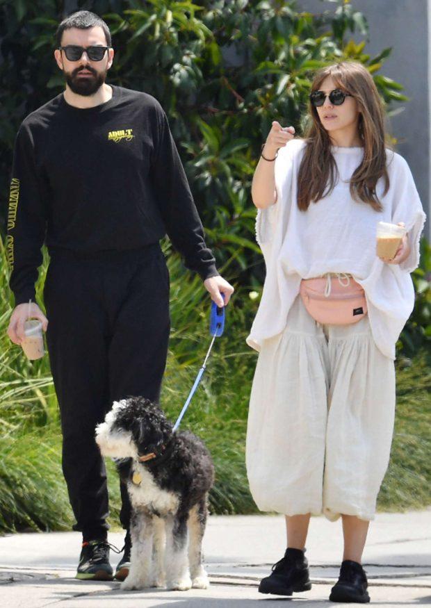 Elizabeth Olsen and Robbie Arnett  - Walking her dog in Los Angeles