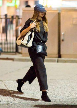 Elizabeth Olsen - Arrives at JFK Airport in New York City