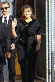 Elizabeth Olsen - Arrives at Jimmy Kimmel Live in Los Angeles