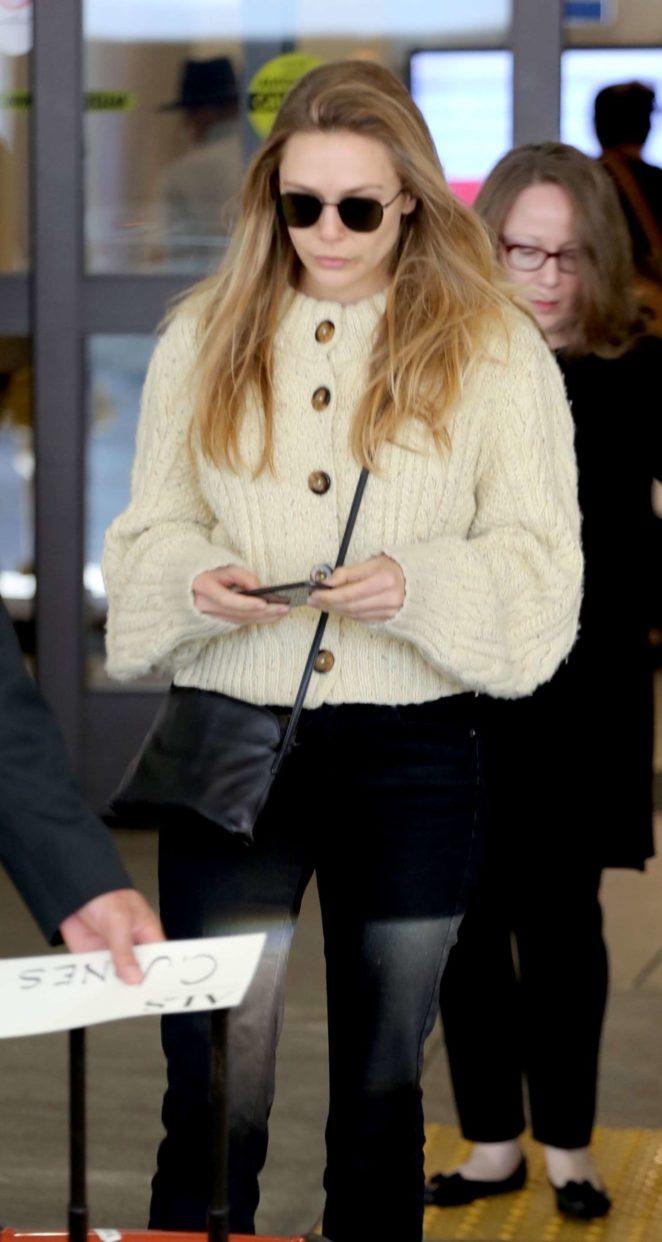 Elizabeth Olsen – Arrives at LAX Airport in Los Angeles