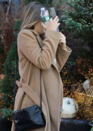 Elizabeth Olsen - Arriving at her hotel in NYC