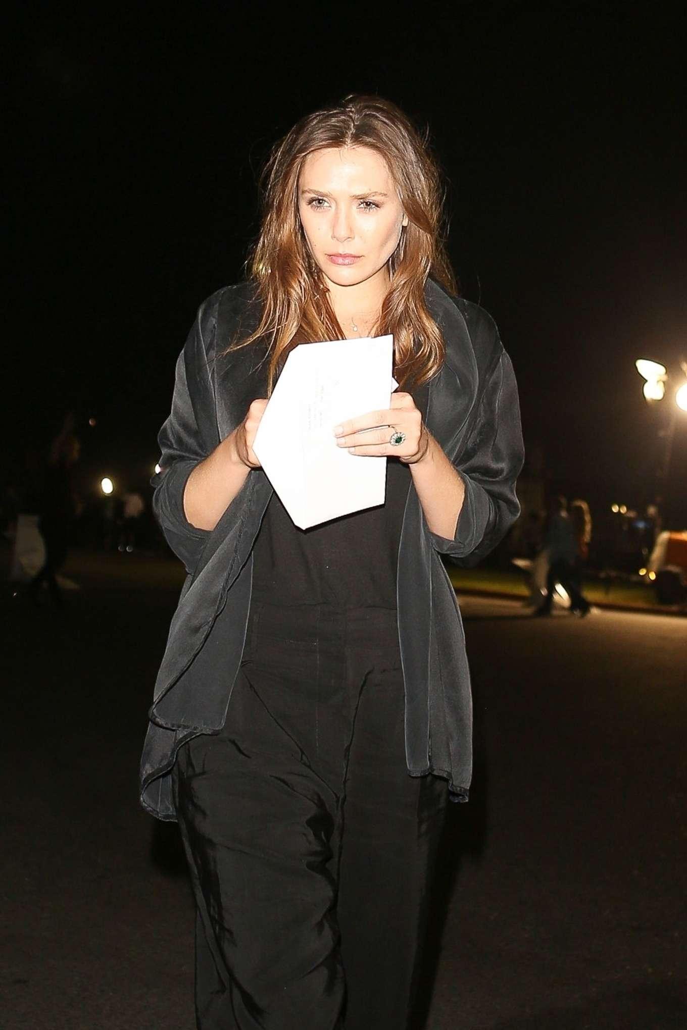 Elizabeth Olsen 2019 : Elizabeth Olsen – arriving at Rolling Stones Concert in Pasadena-05