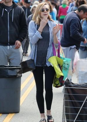 Elizabeth Olsen in Leggings at Farmer's Market in LA