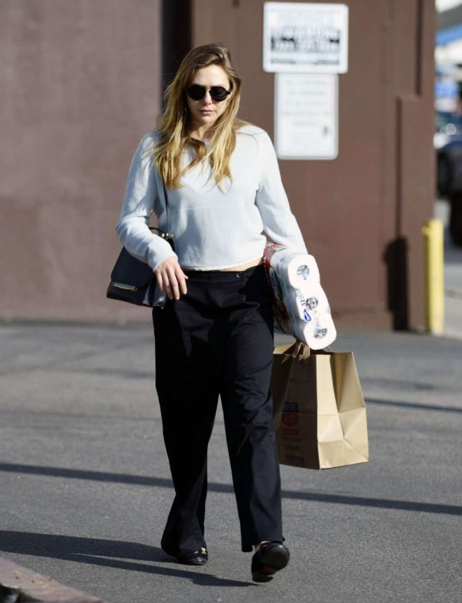 Elizabeth Olsen in Black Pants Shopping in Los Angeles