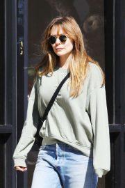 Elizabeth Olsen - In Jeans outside Joans on Third in Studio City