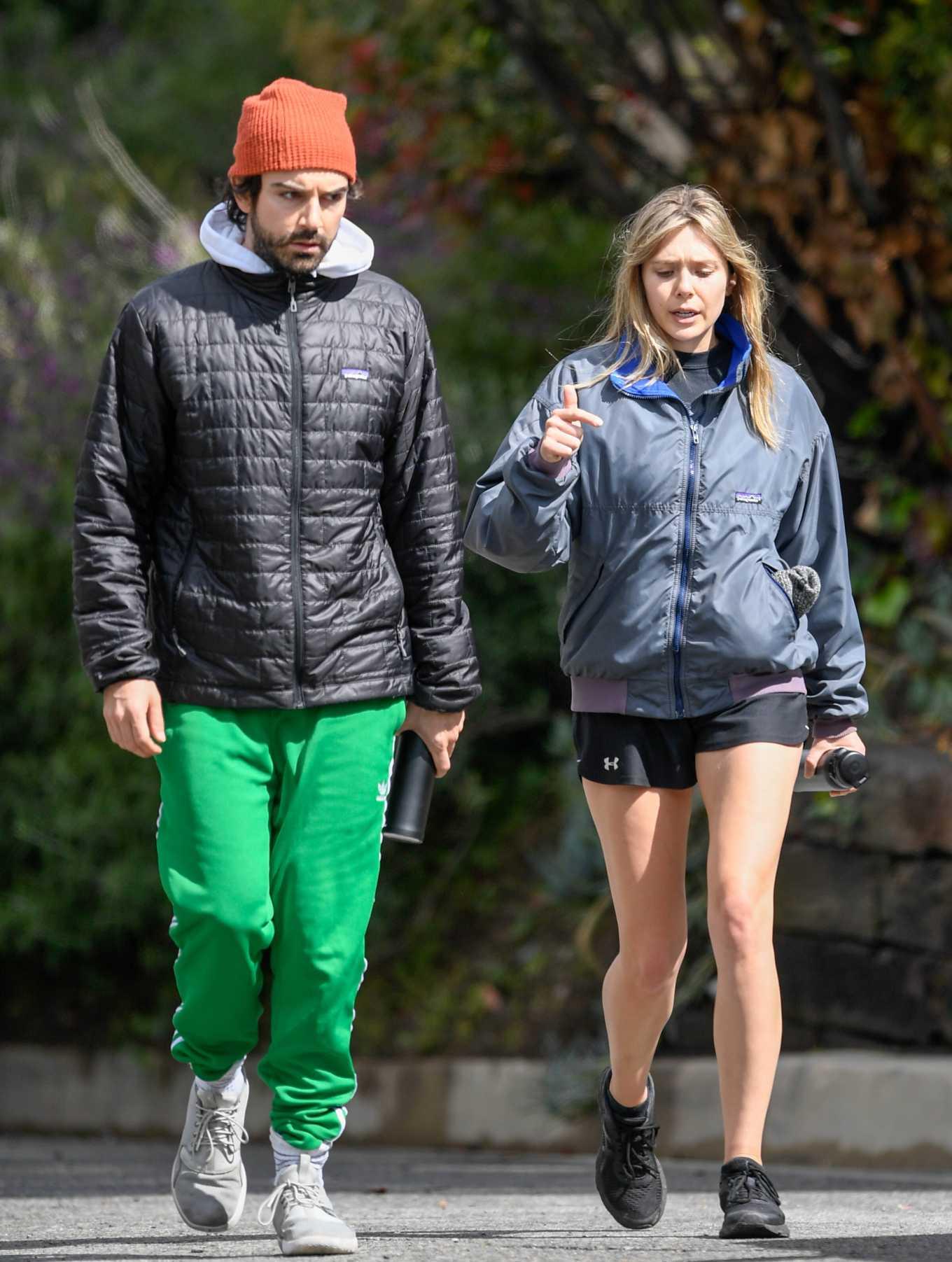 Elizabeth Olsen 2020 : Elizabeth Olsen in Shorts-01