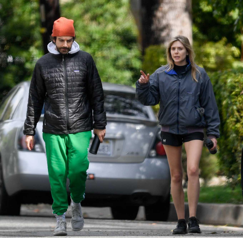 Elizabeth Olsen 2020 : Elizabeth Olsen in Shorts-03