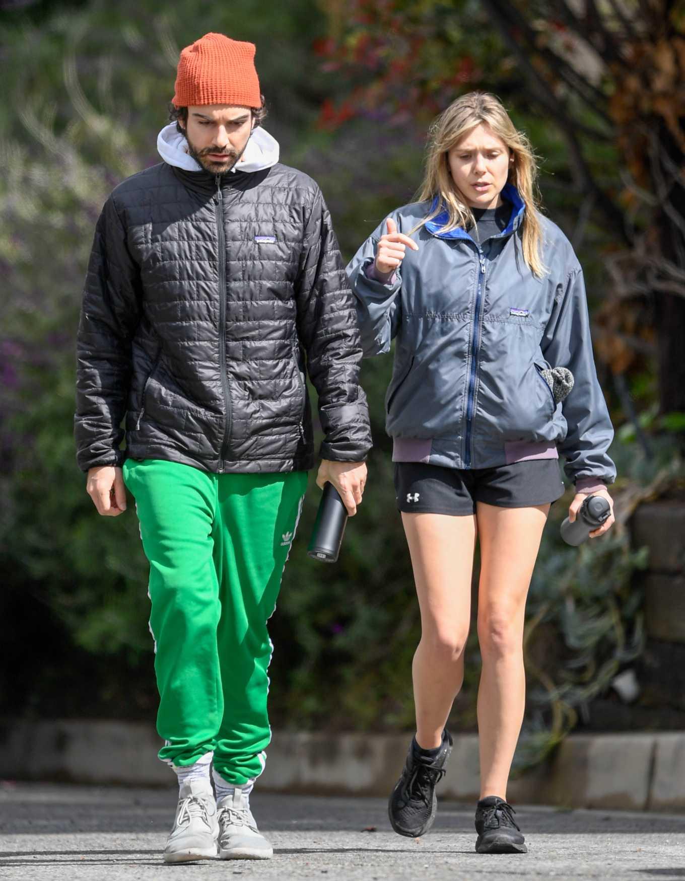 Elizabeth Olsen 2020 : Elizabeth Olsen in Shorts-04
