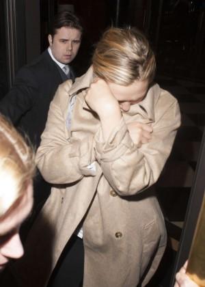 Elizabeth Olsen - Leaving her hotel in London