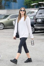 Elizabeth Olsen - Leaving the gym in LA