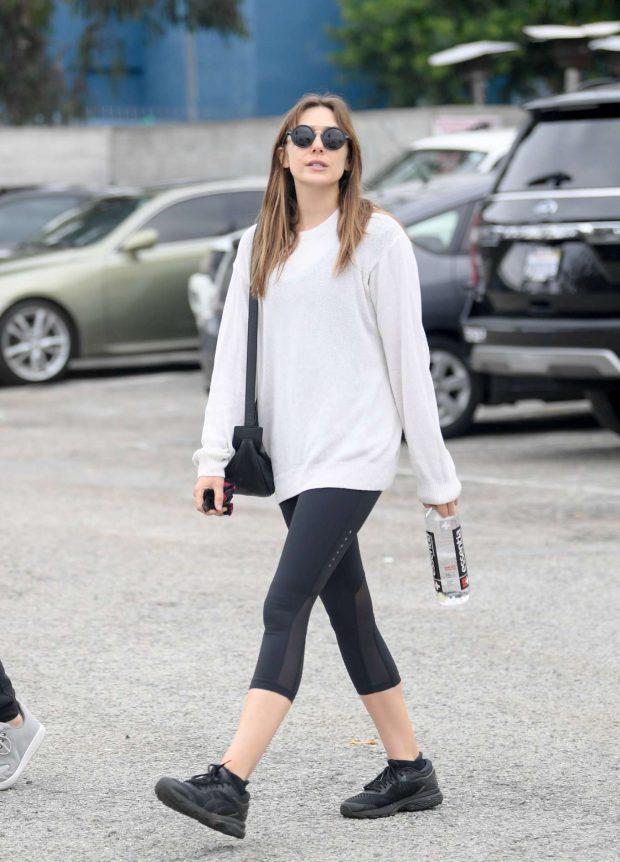 Elizabeth Olsen - Leaving the gym in LA