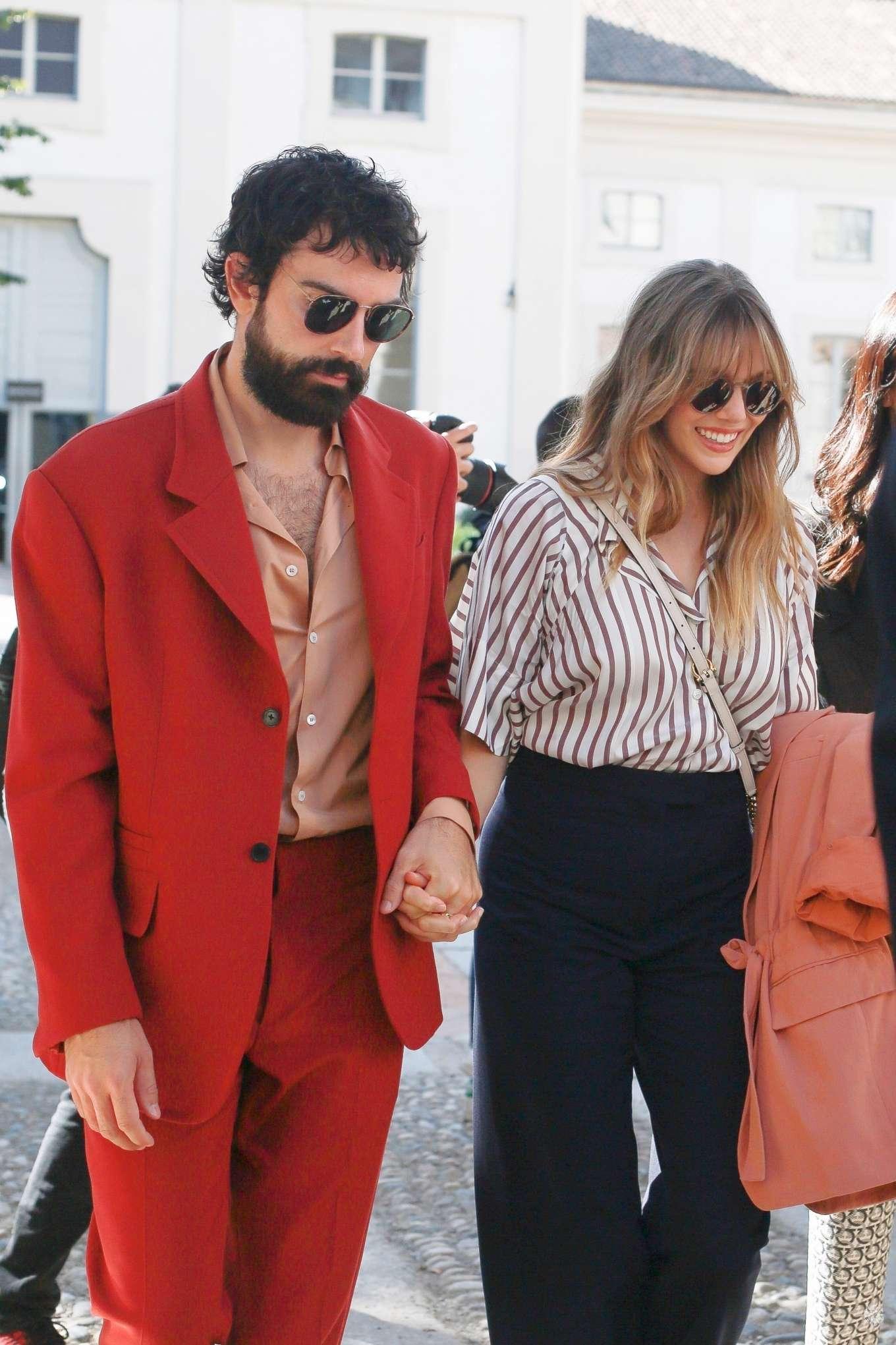 Elizabeth Olsen 2019 : Elizabeth Olsen – Leaving the Womenswear Show in Milan-04