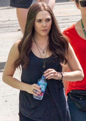 "Elizabeth Olsen - On Set of ""Captain America: Civil War"" in Atanta"