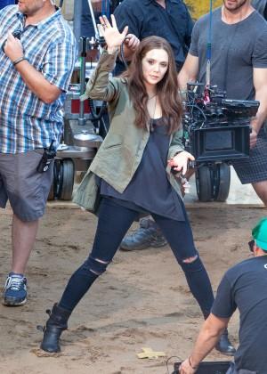 Elizabeth Olsen in Ripped Jeans on Captain America Civil War -10