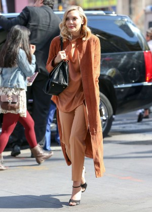 Elizabeth Olsen - Out and about in NYC