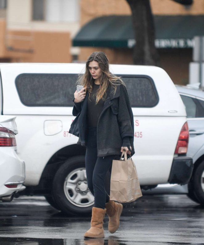 Elizabeth Olsen out for shopping in Los Angeles