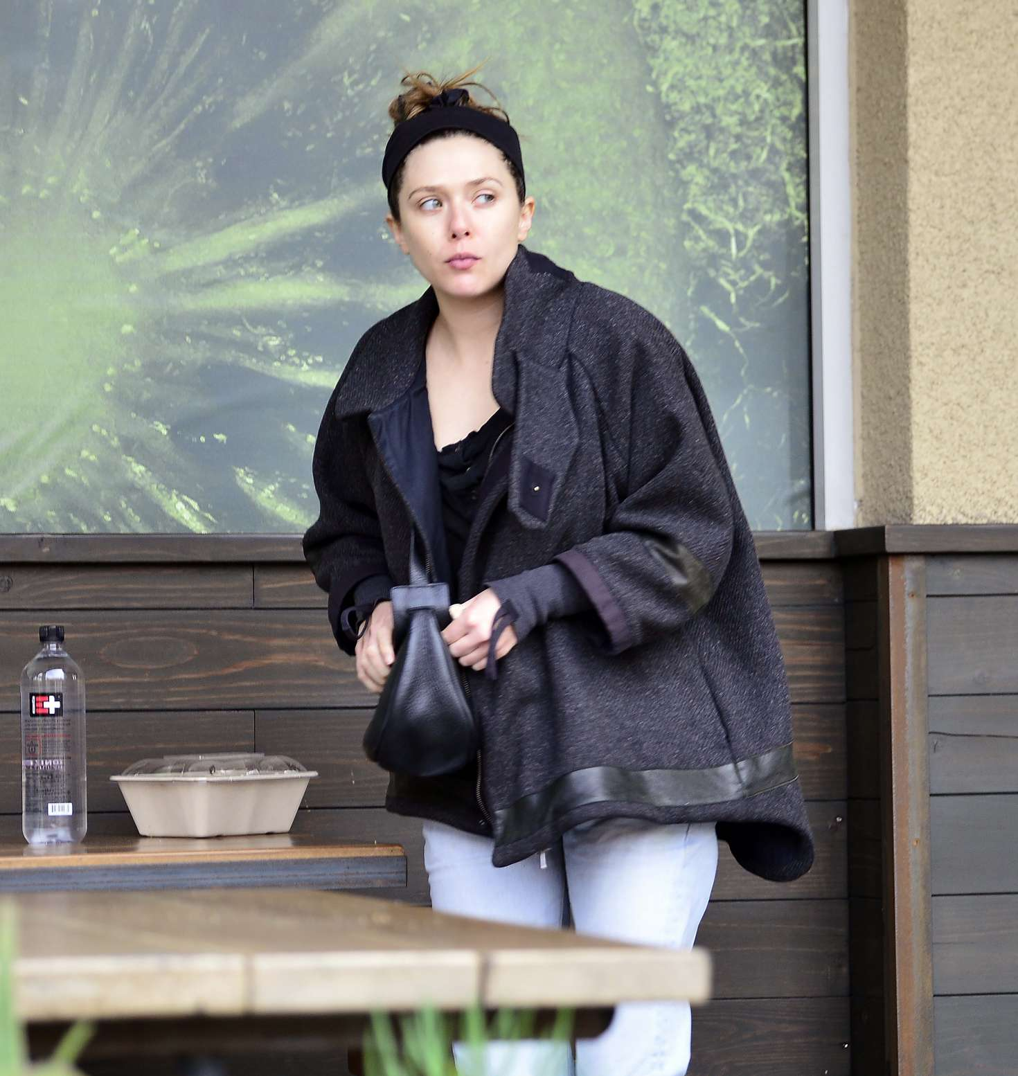 Elizabeth Olsen - Out in Los Angeles