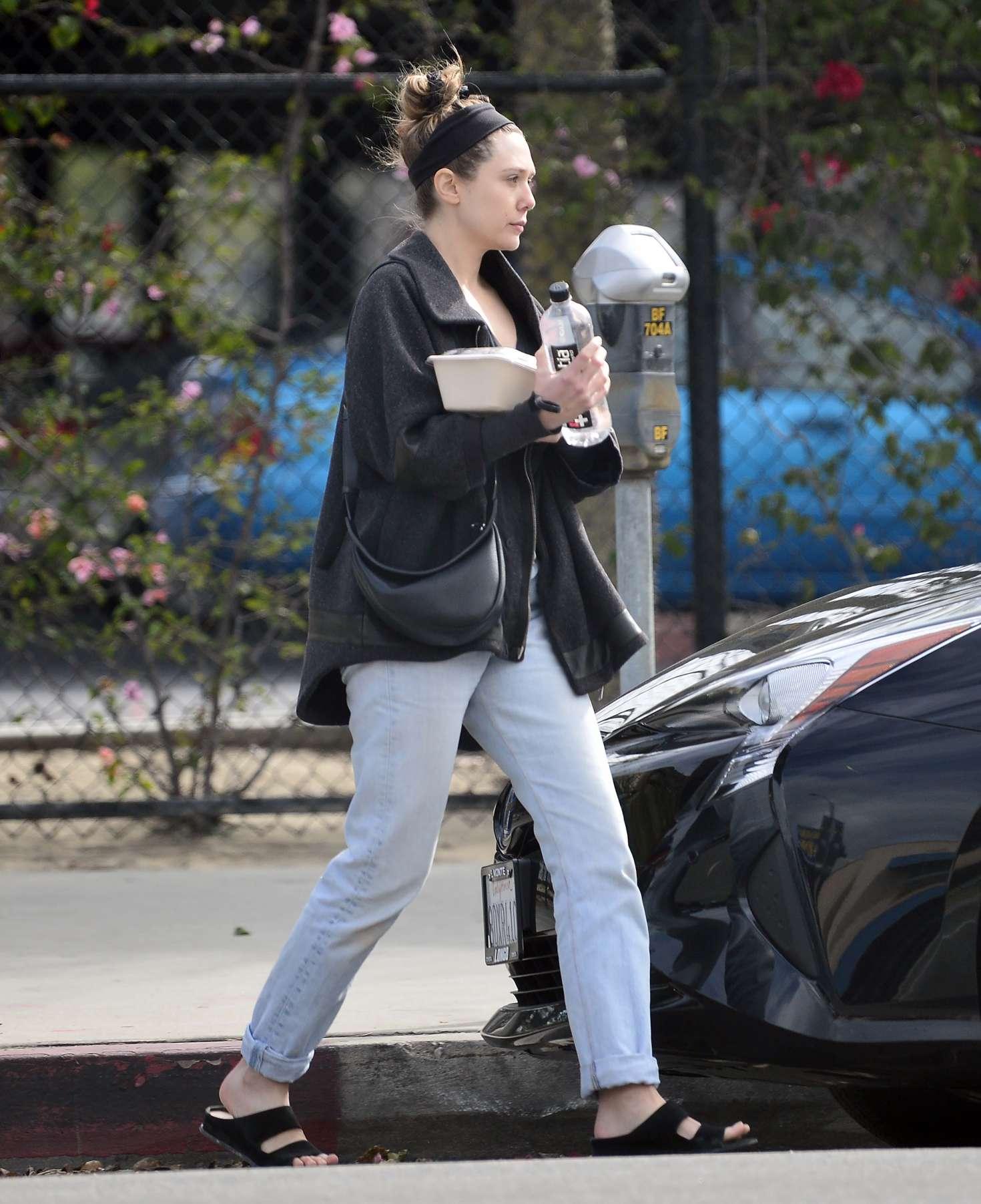Elizabeth Olsen 2019 : Elizabeth Olsen: Out in Los Angeles -02