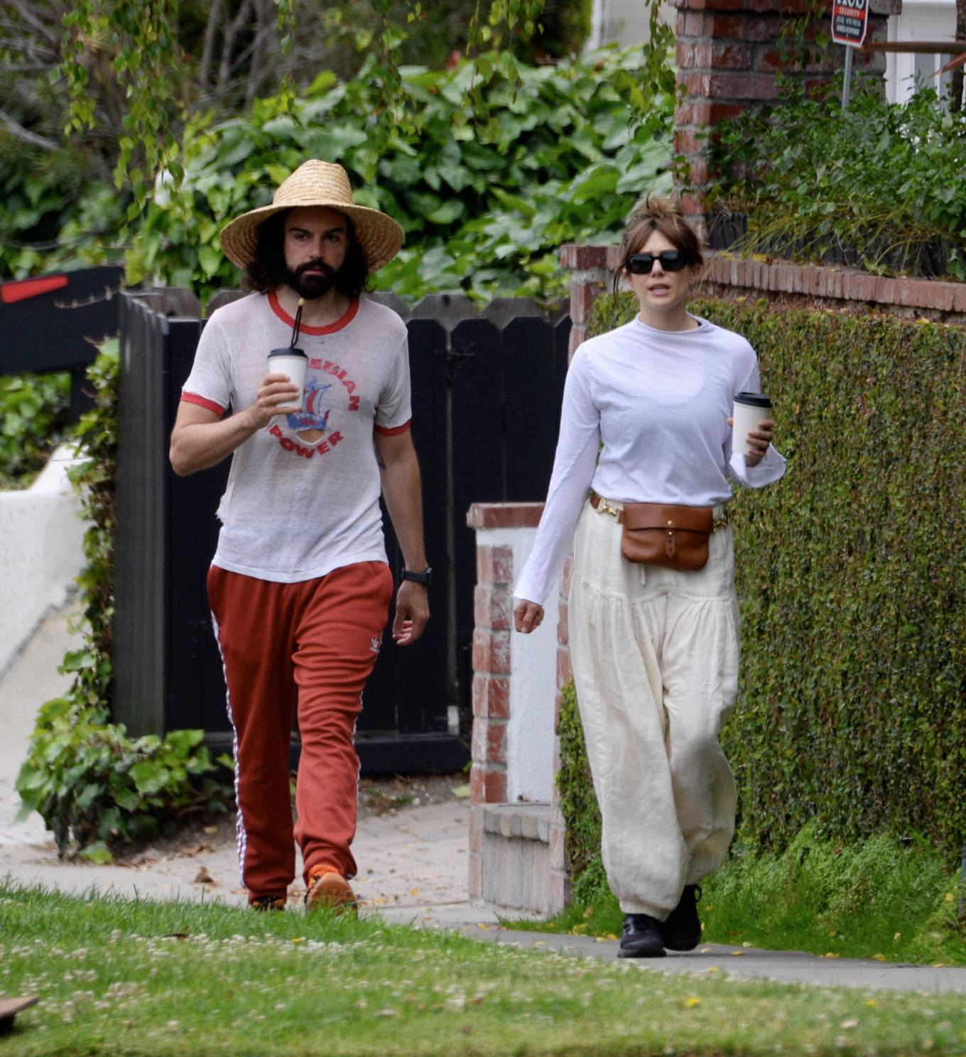 Elizabeth Olsen 2021 : Elizabeth Olsen – Packs on PDA with fiance Robbie Arnett in Studio City-01