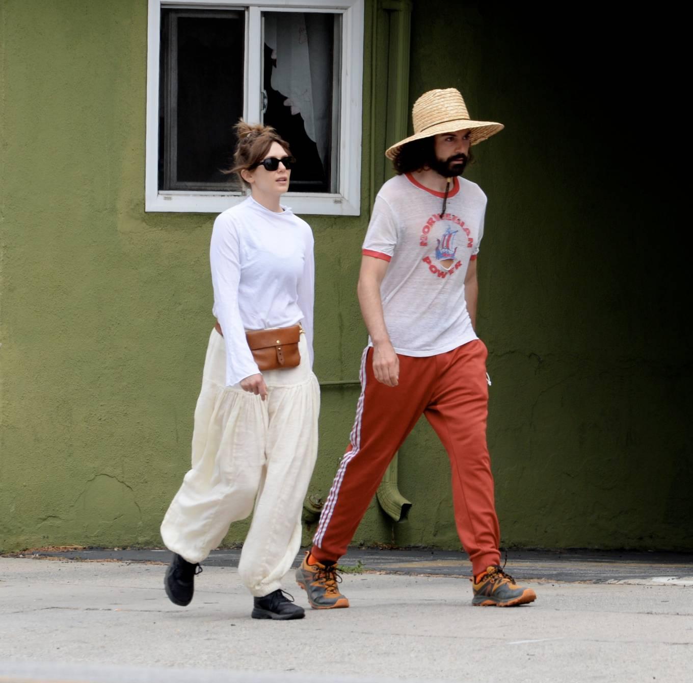 Elizabeth Olsen 2021 : Elizabeth Olsen – Packs on PDA with fiance Robbie Arnett in Studio City-04