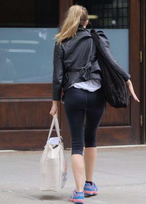 Elizabeth Olsen returning to her hotel in NYC