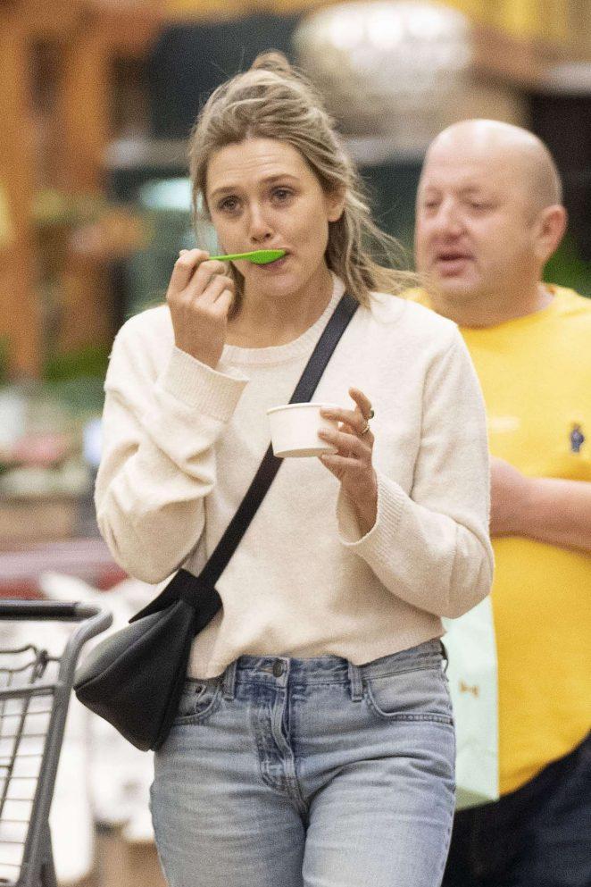 Elizabeth Olsen - Shopping at Whole Foods in LA