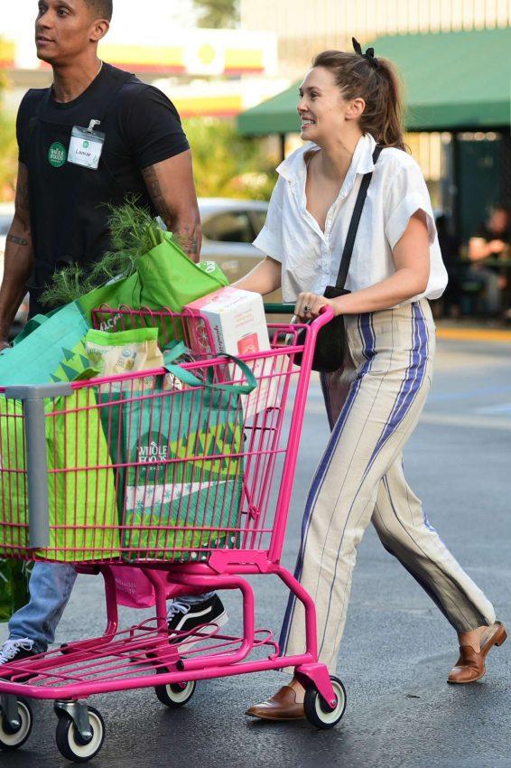Elizabeth Olsen 2019 : Elizabeth Olsen – Shopping at Whole Foods Market-02