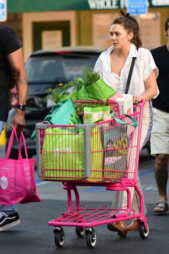 Elizabeth Olsen 2019 : Elizabeth Olsen – Shopping at Whole Foods Market-09