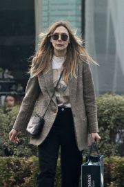 Elizabeth Olsen - Shopping in Beverly Hills