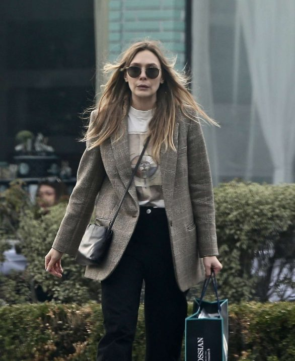 Elizabeth Olsen - Shopping in Beverly Hills
