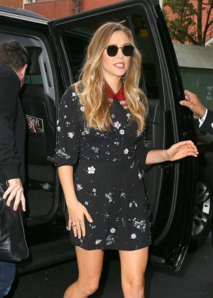 Elizabeth Olsen - Visits 'Good Morning America' in NYC