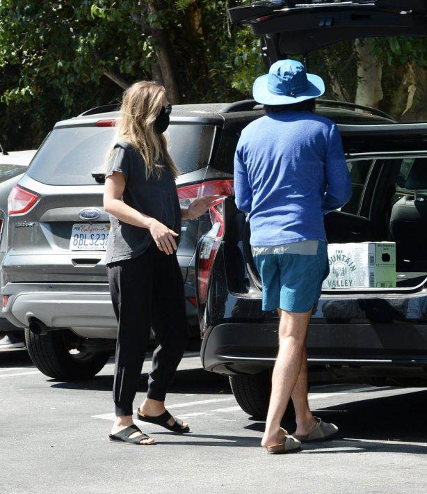 Elizabeth Olsen with fiance Robbie Arnett - Shopping in Sherman Oaks