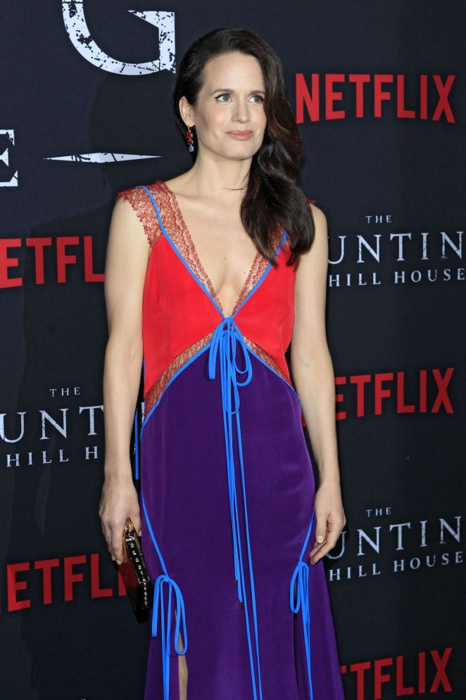 Elizabeth Reaser - 'The Haunting of Hill House' Premiere in Los Angeles