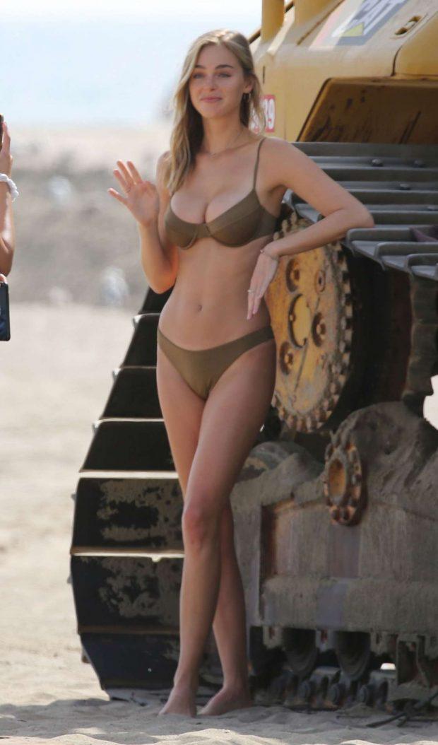 Elizabeth Turner 2019 : Elizabeth Turner: Photoshoot at the beach in Los Angeles-10
