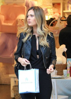 Ella Rose - Out for shopping in Los Angeles