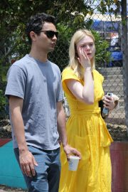 Elle Fanning and Max Minghella - Shopping in Los Angeles
