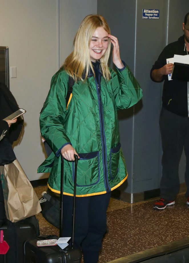 Elle Fanning - Arriving at Salt Lake City Airport