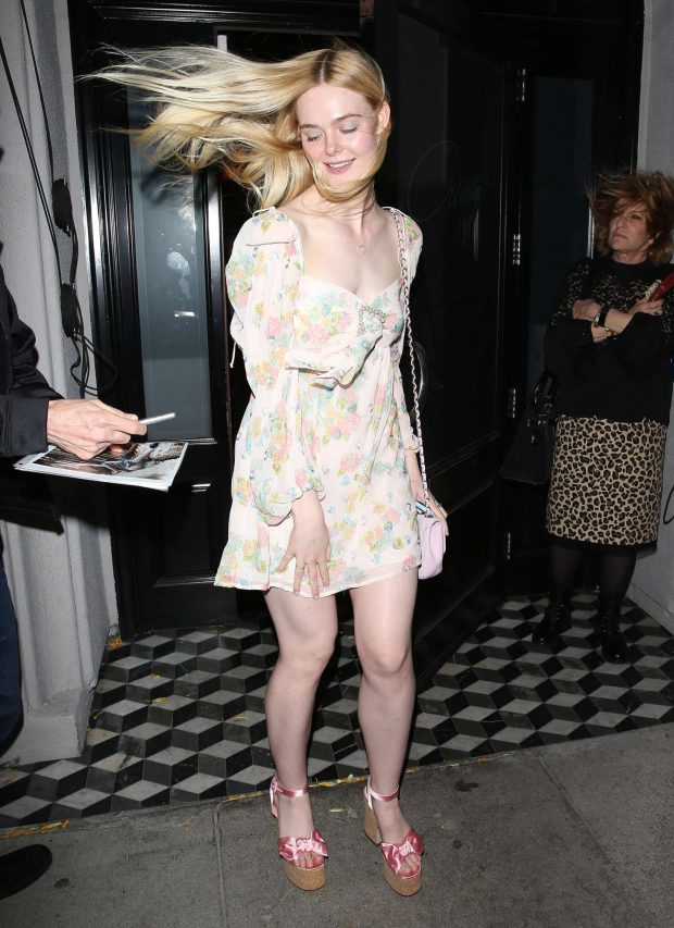Elle Fanning at Craigs in West Hollywood -13