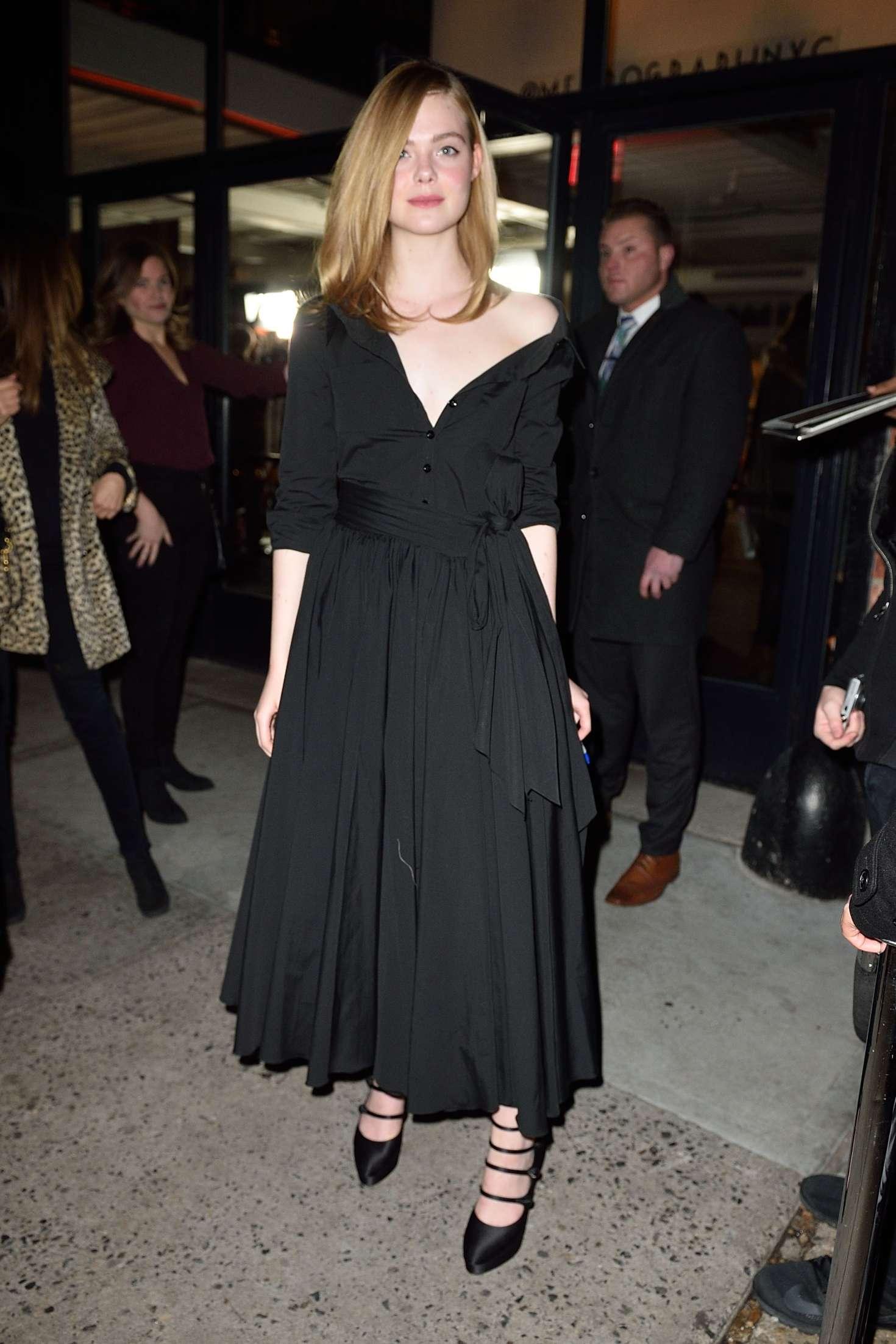 Black dress elle - Elle Fanning In Black Long Dress 19 Full Size