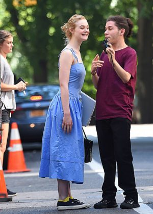 Elle Fanning - on the set of a movie in NYC