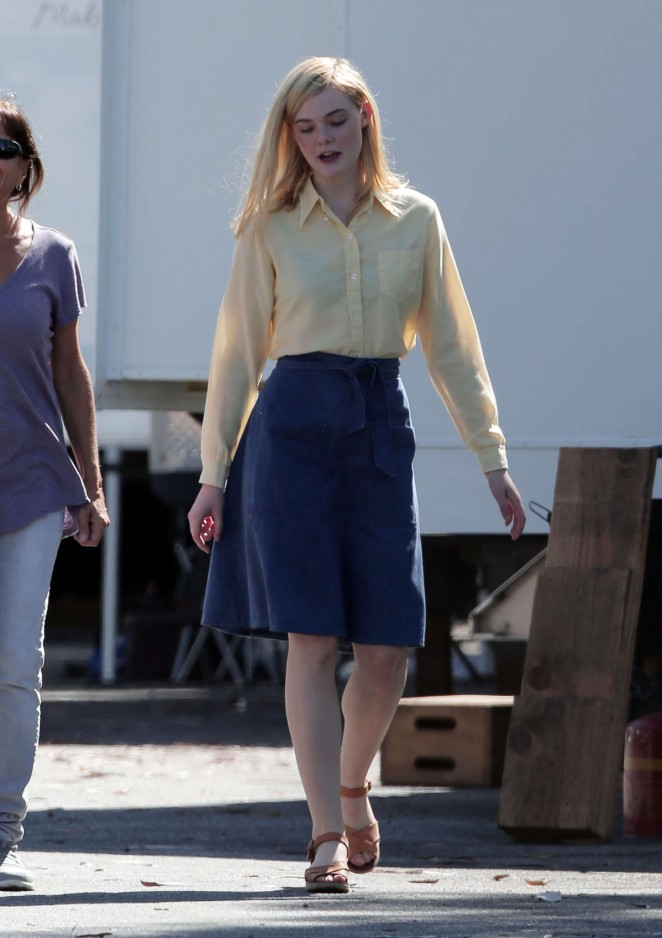 Elle Fanning on 20th Century Women set -06