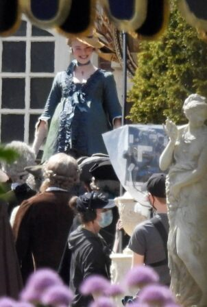 Elle Fanning - Shows baby bump on 'The Great' set in London