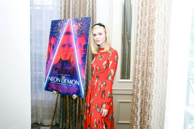 Elle Fanning 2016 : Elle Fanning: The Neon Demon Press Conference -07