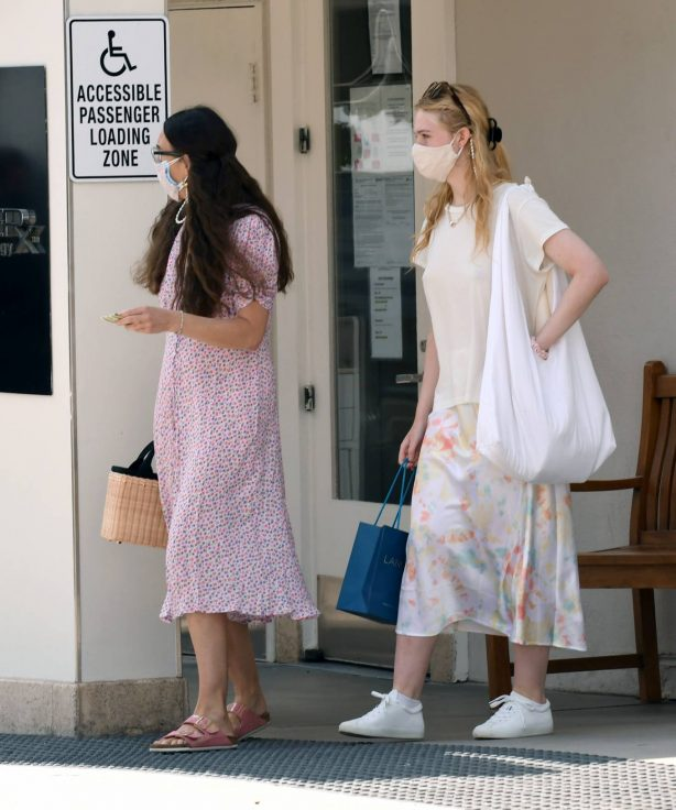 Elle Fanning with her mom - Out in Los Angeles