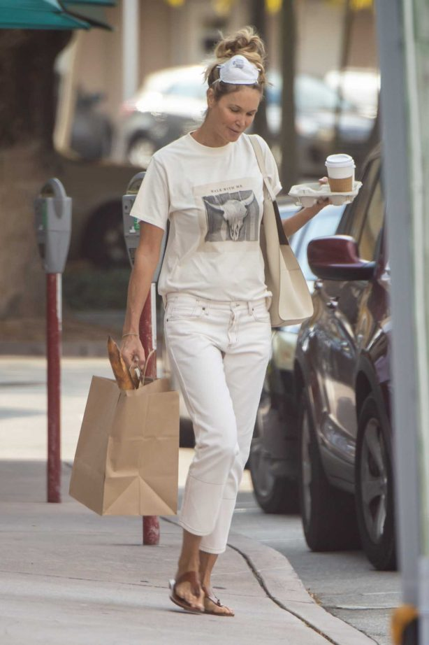 Elle Macpherson - Out for a meeting at a Miami condo