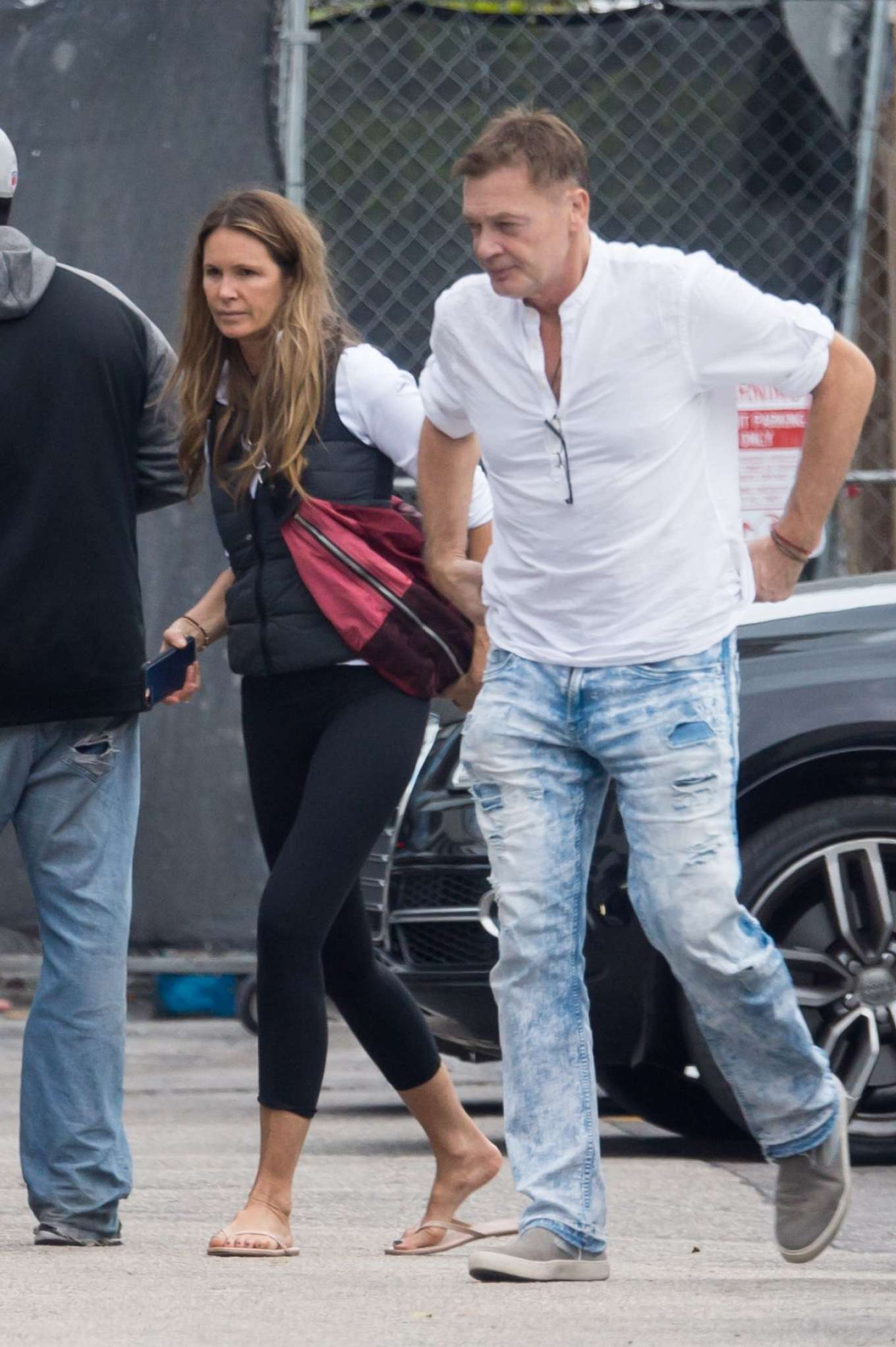 Elle Macpherson - Out for lunch in Miami
